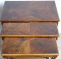 Tři stolky, hnízdové - tordované sloupky (3).JPG