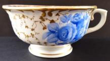 Šapo se zlaceným ornamentem a modrými květy - Slavkov (4).JPG