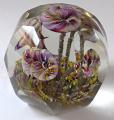 Těžítko s pěti barevnými žíhanými květy, s fazetami (2).JPG