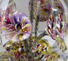 Těžítko s pěti barevnými žíhanými květy, s fazetami (3).JPG