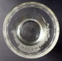 Biedermeierová sklenice, rytá, s motivem altánu (4).JPG