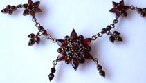 Zlacený stříbrný náhrdelník, s českými granáty a almandiny (2).JPG