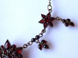 Zlacený stříbrný náhrdelník, s českými granáty a almandiny (3).JPG