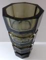 Broušená váza, kouřové sklo - styl Moser (2).JPG