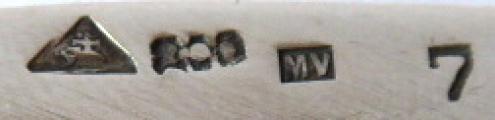 Stříbrný oválný tác, reliéfní okraj (5).JPG