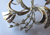 Brož s bílého zlata, s diamanty a brilianty - 1,15 ct (5).JPG