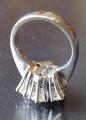 Luxusní prsten z bílého zlata, s diamanty briliantového brusus (5).JPG