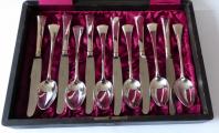 Stříbrné příbory pro dvanáct osob, v etui - styl art deco (2).JPG