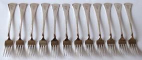 Stříbrné příbory pro dvanáct osob, v etui - styl art deco (4).JPG