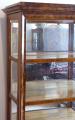 Klasicistní vitrína v ořechové dýze (2).JPG