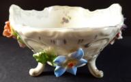 Rokoková miska s reliéfními květy - Drážďany (4).JPG