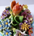 Porcelánová dóza s květy - Drážďany (5).JPG