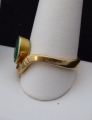 Zlatý prsten, s vlnkou a oválným smaragdem (3).JPG