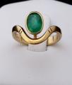 Zlatý prsten, s vlnkou a oválným smaragdem (4).JPG