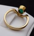 Zlatý prsten, s vlnkou a oválným smaragdem (6).JPG