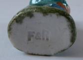 Porcelánová miniaturní soška, tlouštík - Březová (4).JPG