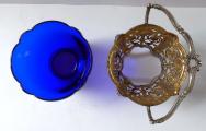 Stříbrný a zlacený košíček, s kobaltovou skleněnou miskou (4).JPG