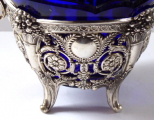 Stříbrný a zlacený košíček, s kobaltovou skleněnou miskou (5).JPG