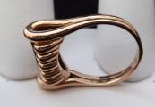 Zlatý prsten s vlnkami a brilianty cca 0,20 ct (6).JPG