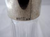 Broušená skleněná karafa se stříbrným hrdlem (5).JPG