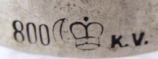Broušená skleněná karafa se stříbrným hrdlem (6).JPG