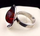 Stříbrný prsten s jantarem - Polsko 1963 - 1980 (5).JPG
