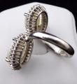 Prsten z bílého zlata, opály a brilianty (5).JPG