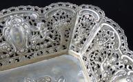 Stříbrná dekorativní mísa, s figurálním výjevem - Christoph Widmann, Pforzheim (4).JPG