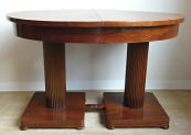 Rozkládací stolek se dvěma sloupy