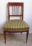 Židle s tyčkami a pruhovaným čalouněním