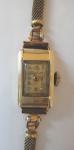 Zlaté dámské náramkové hodinky
