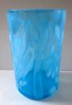 Sklenička z modrého opálového skla