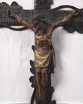 Domácí krucifix závěsný - Řezbovaný kříž