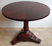 Round folding mahogany table - Biedermeier