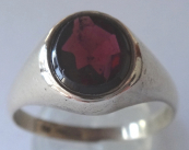 Ring with almandine - gold alloy