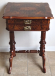 Sewing table in walnut veneer - Louis Philippe