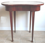 Kidney-shaped table, veneer - Classicism