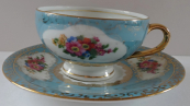 Light blue and golden coffee cup - Victoria, Old Rohlau