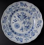 Malý míšeňský talířek - cibulový vzor