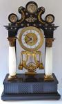 Biedermeierové portálové sloupkové hodiny, s hracím strojem