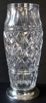 Skleněná broušená váza, se stříbrnou základnou