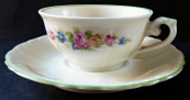 Coffee cup with flowers and green line - Altrohlau