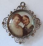Kulatý stříbrný medailon, s fotografií - Vídeň