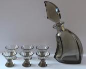 Karafa se skleničkami, kouřové sklo - Art-deko