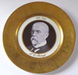 Jubilejní talíř s portrétem T. G. Masaryka a zlaceným okrajem