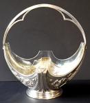Stříbrný secesní košíček, se skleněnou miskou