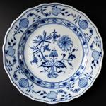 Míšeňský porcelánový talíř s cibulovým vzorem - Míšeň