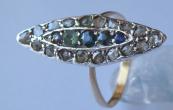 Zlatý a stříbrný prstýnek s barevnými kamínky a diamanty
