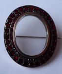 Granátová brož s otevíracím medailonem, se zlatem