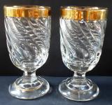 Dvě sklenice, stáčený dekor, zlacený okraj